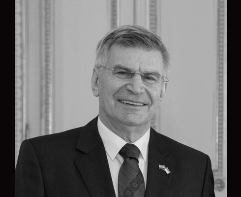 Décès de S.E. M. Filip Vuč...